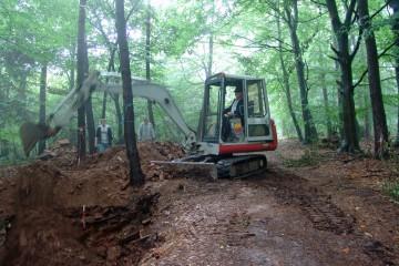 Das Rätsel um den Brunnen auf der Altenburg wird wohl auch noch nächste Forschergenerationen beschäftigen. Aus Sicherheitsgründen musste der bereits 2008 untersuchte Schnitt wieder verfüllt werden.