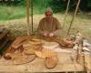 Im Ritterlager übte ein Schuster sein Handwerk aus,...