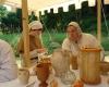 Bei den mittelalterlichen Damen und Herren war der Tisch üppig bestückt.