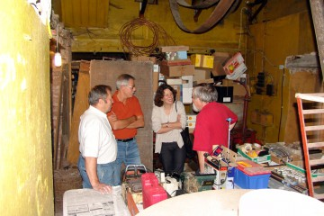 Besichtigung einer Senfmühle in Frammersbach durch den Museumsverein Frammersbach. Das einzigartige technische Denkmal soll erforscht und möglicherweise auch der Öffentlichkeit zugänglich gemacht werden.