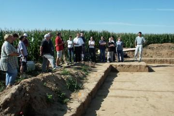 Exkursion der Universität Giessen zur Ausgrabung einer Siedlung aus der Bronzezeit