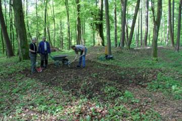 Im Osten des Bodendenkmals wird der nächste Schnitt angelegt.