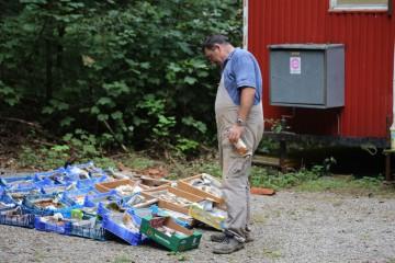 In regelmäßigen Abständen werden die Funde gewaschen - da fällt einiges an.