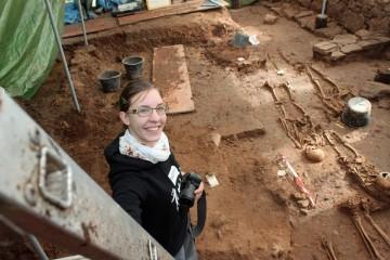 Eigentlich sollte von der Leiter Grab Nr. 47 fotografiert werden...