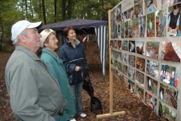 Präsentation der Arbeit der ehrenamtlichen Helfer beim Grabungsfest am 21. Oktober 2007