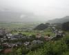 Industrielandschaft: Kaum einer erahnt heute, dass die talwärts weisenden Hügel bei Schwaz (A) Abraumhalden des spätmittelalterlichen Silberbergbaus sind.