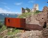 Nirosta meets Burgruine: Das Schloss Sigmundskron bei Bozen (I) wurde auf Initiative des Bergsteigers Reinhold Messner grundlegend umgestaltet.
