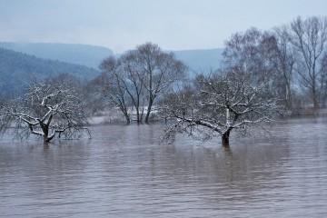 Überschwemmtes Tal bei Lohr am Main im Frühjahr 2002, Spessart (D)