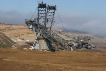 Die Braunkohleförderung im Rheinland schafft großräumig eine neue Landschaft.
