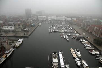 Eine urbane Kunstlandschaft: der Jachthafen von Antwerpen.