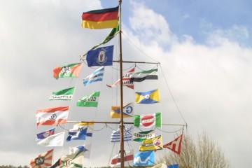 Der Schifferverein Erlach wurde am 11. März 1923 in Erlach gegründet. Vereinszweck war damals wie heute die Förderung und Erhaltung des Schifferbrauchtums. 1963 wurde der Schiffermast als äußeres Wahrzeichen der Schiffergemeinde erstellt. Heute besitzt der Verein 82 Mitglieder. Sein Leitspruch wird jedem Vereinsmitglied als letzter Gruß mit auf den Weg gegeben, ebenso das Geläut der Vereinsglocke und die Begleitung durch die Vereinsfahne.