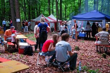 Burgfest: Die kurzweilige Informationsveranstaltung des Heimat- und Geschichtsvereins war - trotz Fußballweltmeisterschaft - gut besucht.