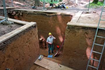 Das Zeichnen der Profile im Graben nahm mehrere Tage in Anspruch.