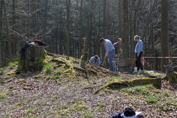"""Heute begann die vorläufig letzte Grabungskampagne auf dem """"Alten Schloss"""" bei Kleinwallstadt."""
