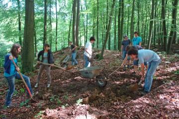 Heute begann das Grabungsprojekt des Hanns-Seidel-Gymnasiums Hösbach.