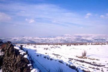 Der Forest of Bowland bei Lancaster (GB), eine von Hochmooren durchsetzte, karge Landschaft, die jedoch schon in der Bronzezeit besiedelt war.