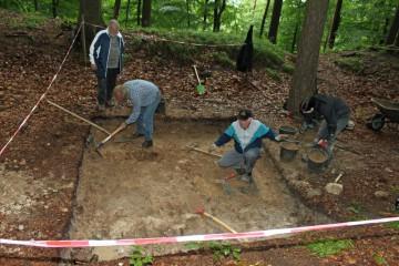 Die Fläche im Graben nördlich der Mauer erbrachte keinerlei Strukturen.