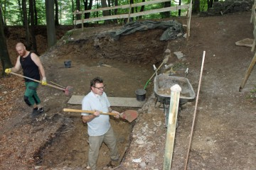 Auch in dieser Fläche wurden sämtliche Mauern und deren Fundamente abgetragen.