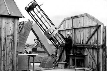 Nach dem Zweiten Weltkrieg entdeckte der Steinmarker Johann Kern seine Leidenschaft für die Astronomie und konstruierte eine Sternwarte. Nach eigenen Plänen ließ er nacheinander drei Spiegelteleskope fertigen, von denen das größte und letzte noch heute in Wertheim in Betrieb ist.