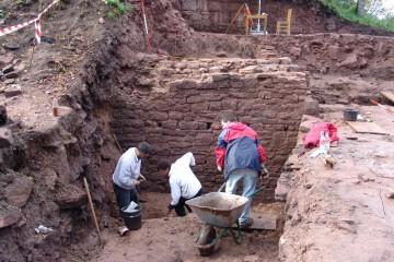 Graben im Graben macht am meisten Spaß, weil dort eine Vielzahl von Funden wartet.