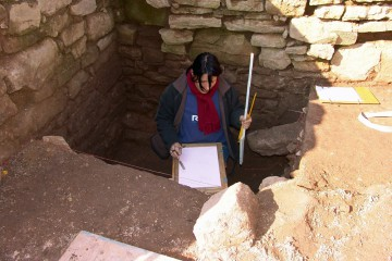 Häschen in der Grube? Nein, Kathrin beim Zeichnen!