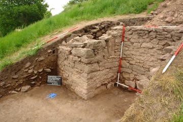 Ein letzter Blick auf die 2008 freigelegten Mauern. Nächstes Jahr geht es an dieser Stelle weiter.