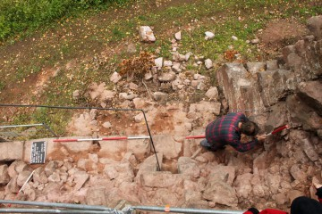 Endlich ist auch die Südmauer des Palas fotofein.