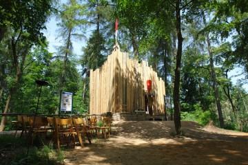 Anlässlich des Ketzelburgfestes 2006 bekrönte der HGV die Turmfundamente mit einem (temporären) hölzernen Aufbau.