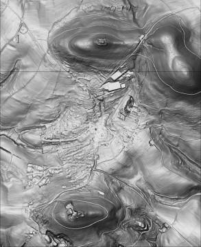 Das Digitale Geländemodell verdeutlicht die Lage der Burgen bei Rottenberg auf zwei gegenüberliegenden Bergen. Datengrundlage: Bayerische Vermessungsverwaltung; Bearbeiter: Karl-Heinz Gertloff, Egelsbach