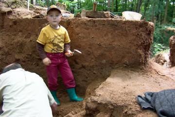 Ob jung, ob alt – Zahlreiche Haibacher trugen tatkräftig zum Gelingen der Ausgrabungen bei.