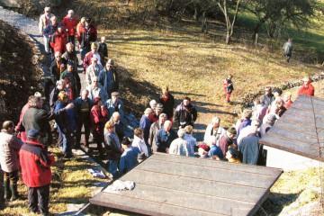 Im März 2003 fand eine der vielen Gruppenführungen an der Brunnenstube statt, über die in der Presse berichtet wurde.