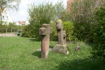 """Die """"Drei Kreuze"""" halten noch bis in unsere Tage die Legende des unglücklichen Ritters von der Ketzelburg lebendig."""