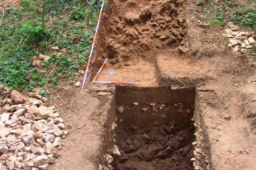 Die Schnitte 14 und 15 mit dem vorgelagerten Graben