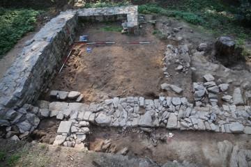 in die Nordamuer des Palas war eine Treppe integriert.
