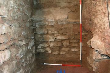 Bei baubegleitenden Untersuchungen im Inneren des Schlosses in Wiesen stieß man auf den ursprünglich überwölbten Keller eines Vorgängerbaus aus der Zeit um 1400.