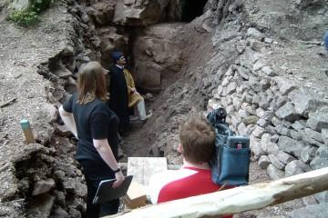 Im Jahre 2004 wurde ein Filmbericht über die Ausgrabungsarbeiten gedreht.