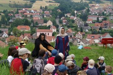 Kinder und Schüler sind auf der Burg gern gesehene Gäste...