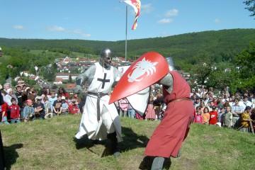 Die Burgfeste bilden mit ihren zahlreichen Attraktionen die Höhepunkte der Aktivitäten auf der Burg Bartenstein.
