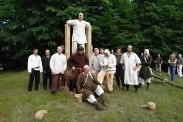 """Die """"Milites Theutonici"""" stellen das Leben in der Zeit um 1250 nach und gehören zum Stammpersonal der Burgfeste."""