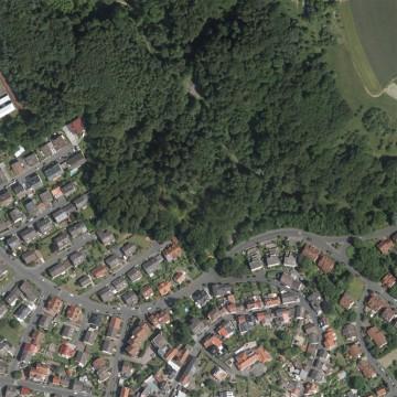 Luftbild vom 08.06.2014 (500m x 500m). Quelle: Bayerischer Denkmal-Atlas (www.blfd.bayern.de); Bearbeiter: Karl-Heinz Gertloff, Egelsbach..