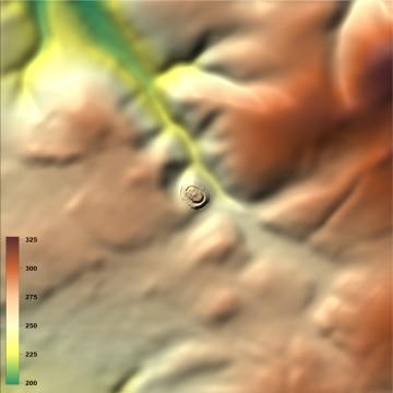 Digitales Geländemodell: Visualisierung mit farbigen Höhenschichten (1500m x 1500m, Geländeoberfläche geglättet). Datengrundlage: Bayerische Vermessungsverwaltung 2014; Bearbeiter: Karl-Heinz Gertloff, Egelsbach.