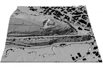 Digitales Geländemodell des Schlossbergs mit Datenlücken in 3D-Schrägansicht von Süden. Datengrundlage: Bayerische Vermessungsverwaltung 2014; Bearbeiter: Karl-Heinz Gertloff, Egelsbach.