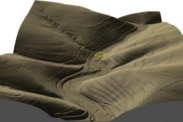 DGM-Visualisierung als 3D-Schrägansicht von Süden auf das Elsava-Tal im Bereich der Burg Mole (Gelände 25% überhöht). Datengrundlage: Bayerische Vermessungsverwaltung; Bearbeiter: Karl-Heinz Gertloff, Egelsbach.