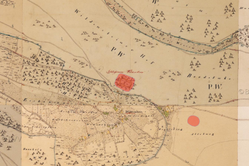 Katasteruraufnahme (um 1850) mit Bodendenkmälern (Gebietsausschnitt 800 m x 1200 m). Quelle: Bayerischer Denkmal-Atlas