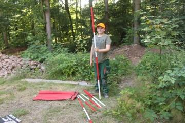 Herr der Fluchtstangen: Heute hilft Lorenz beim Fotografieren.