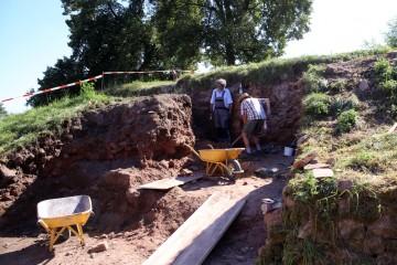 Die Ausgräber stießen auf die östliche Wange des innerern Tores.