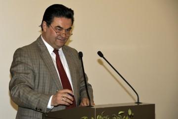 Die Einführung hielt Klaus Herzog, Oberbürgermeister der Stadt Aschaffenburg
