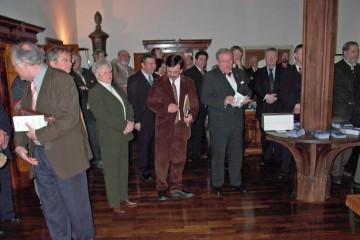 Anlässich der Unterzeichnung des Kooperationsvertrages fanden sich zahlreiche Vertreter aus Politik, Wirtschaft und Forschung im Stiftsmuseum der Stadt Aschaffenburg zusammen, darunter auch zahlreiche Repräsentanten der im Spessart ansässigen Geschichts- und Heimatvereine.