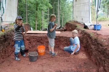 Unsere Nachwuchsausgräber verbringen ihre Zeit lieber auf der Grabung als im Schwimmbad.