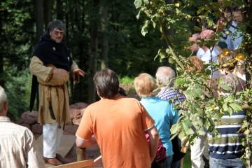 Der erster Tag des Gotthardsbergfests begann mit Führungen im mittelalterlichen Gewand.